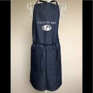 NEW The famous Cloudy Bay Winery Apron